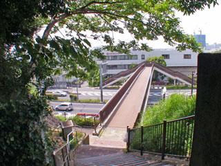 品濃坂歩道橋