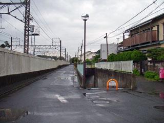 化粧坂の先にある地下道の入口