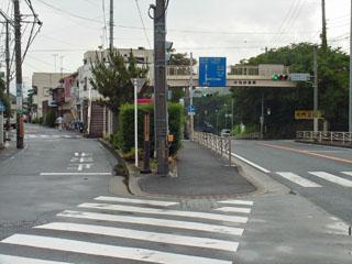 川匂神社交差点