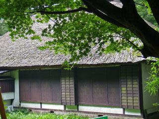 箱根旧街道資料館の裏