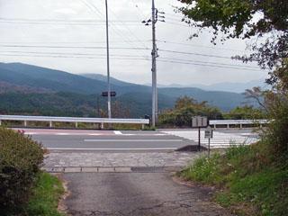大枯木坂から国道1号へ