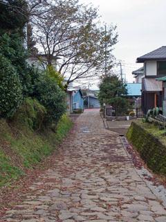 笹原一里塚前から石畳終点を見る