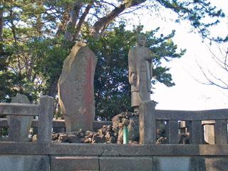 増田平四郎の像