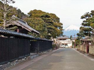 常盤家の前から見た富士山